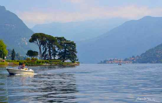 Cruising on lake Como