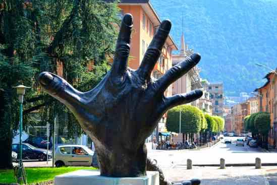 A Big Hand for Lake Como